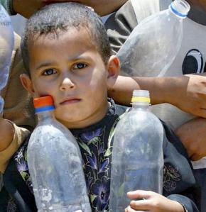 80 por ciento de los habitantes de Gaza compran el agua para beber, ¡esto les puede costar más de 1/3 de su ingreso!!