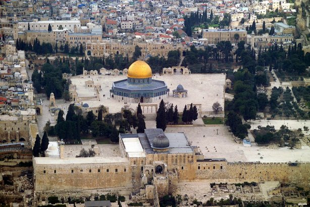 Al-Aqsa-mosque-and-Dome-of-the-Rock-ariel-view-1