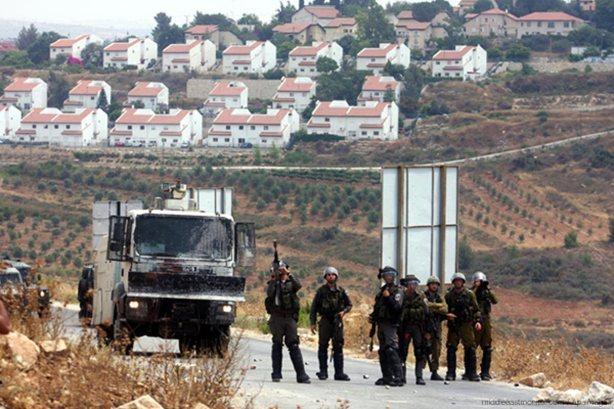 israeli-soldiers-guarding-israeli-settlement-halamish